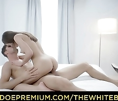 THE WHITE BOXXX - Erotic 69 and doggy style fuck for beautiful babe Evelina Darling