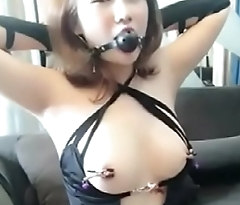02.Homemade Cute Chinese Girl Playing SM with Boyfriend - GirlSeekers.com