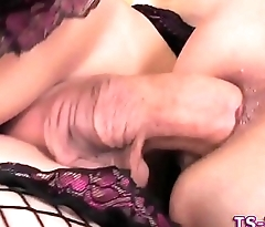 Shemale gets cock sucked