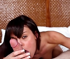 Real casting babe sucks and gets pussyfucked