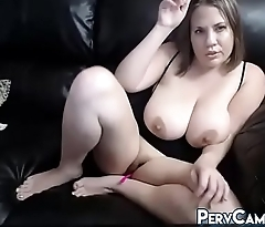Real Big Boobs Milf Masturbating On Webcam
