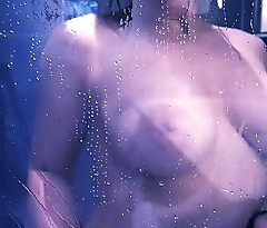 MASTURBATION SOUS LA DOUCHE &ndash_ Purple Rain