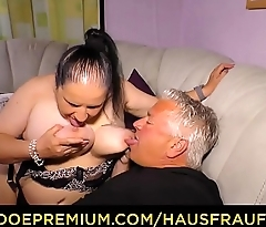 HAUSFRAU FICKEN - Tattooed German housewife gets cum on tits in dirty amateur fuck