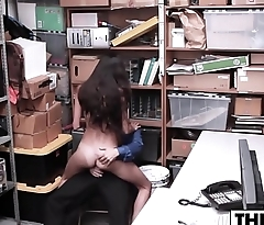 Mom Of Sexy Cutie Thief Has To Watch